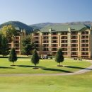 exterior view of Riverstone Resort & Spa in Pigeon Forge TN