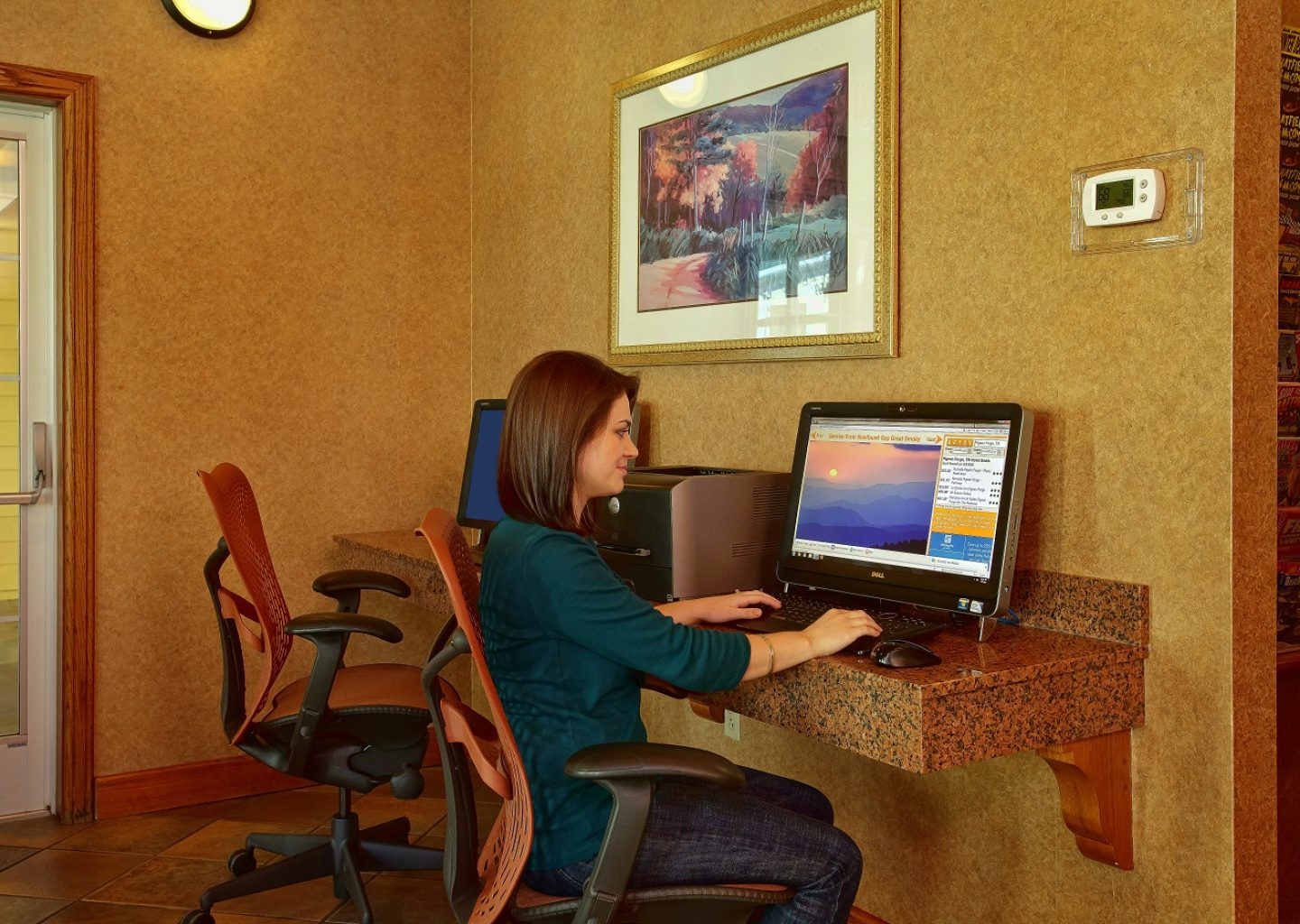 business center at Econo Lodge Pigeon Forge in TN