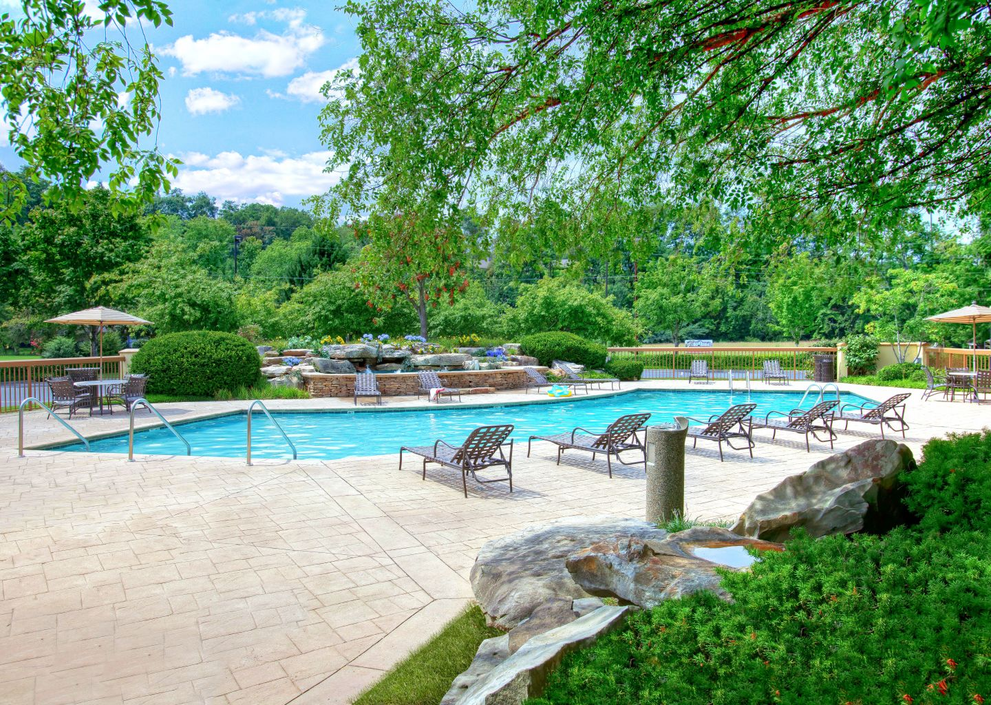 Quality Inn Pigeon Forge - Outdoor Pool 3