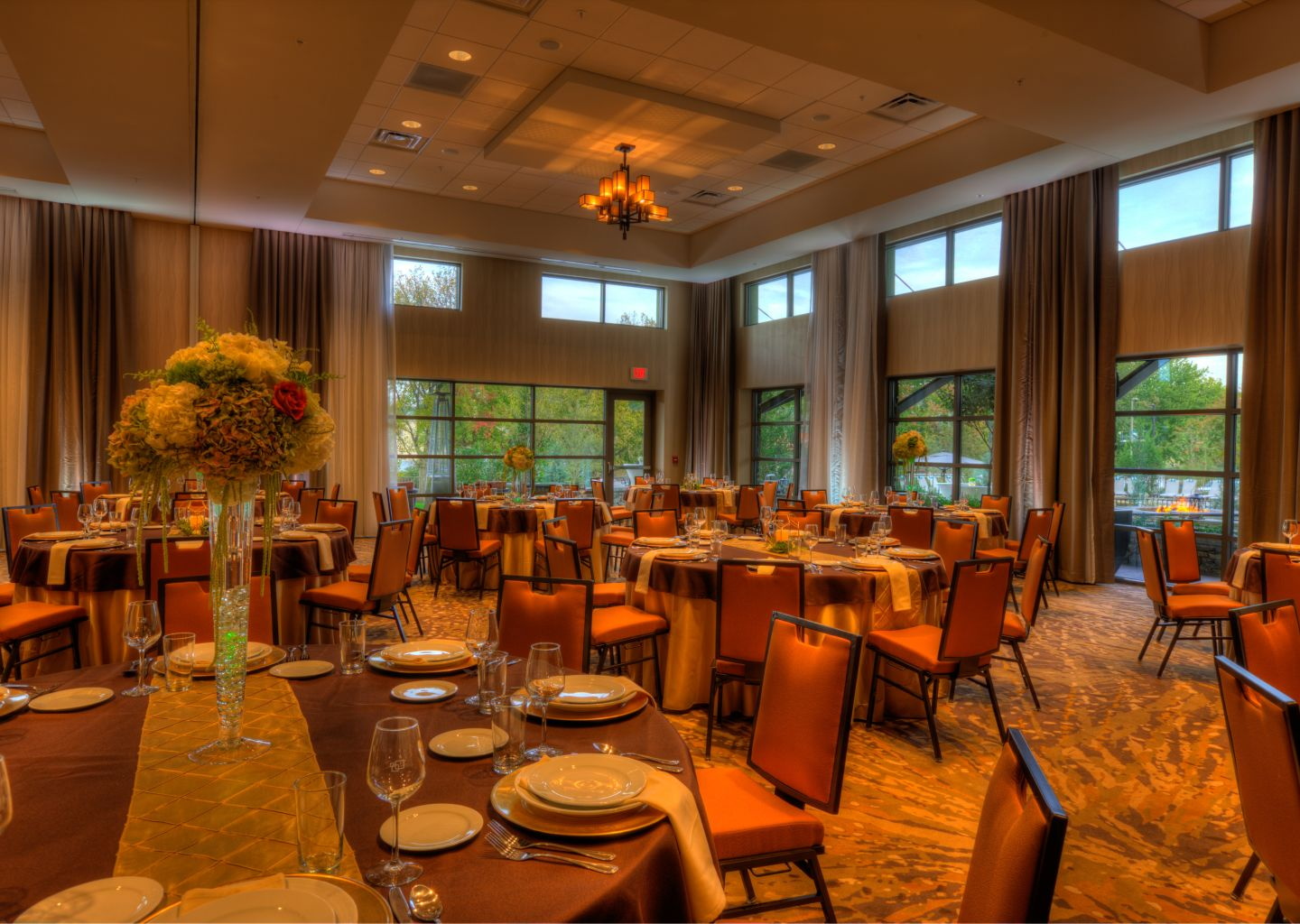 wedding banquet at Courtyard by Marriott Pigeon Forge hotel