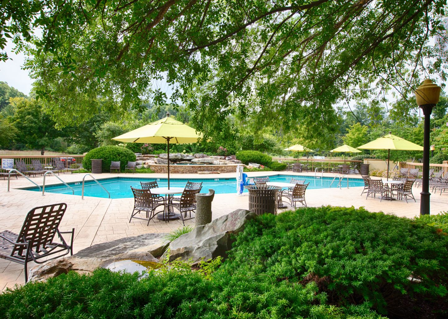 Quality Inn Pigeon Forge - Outdoor Pool 1