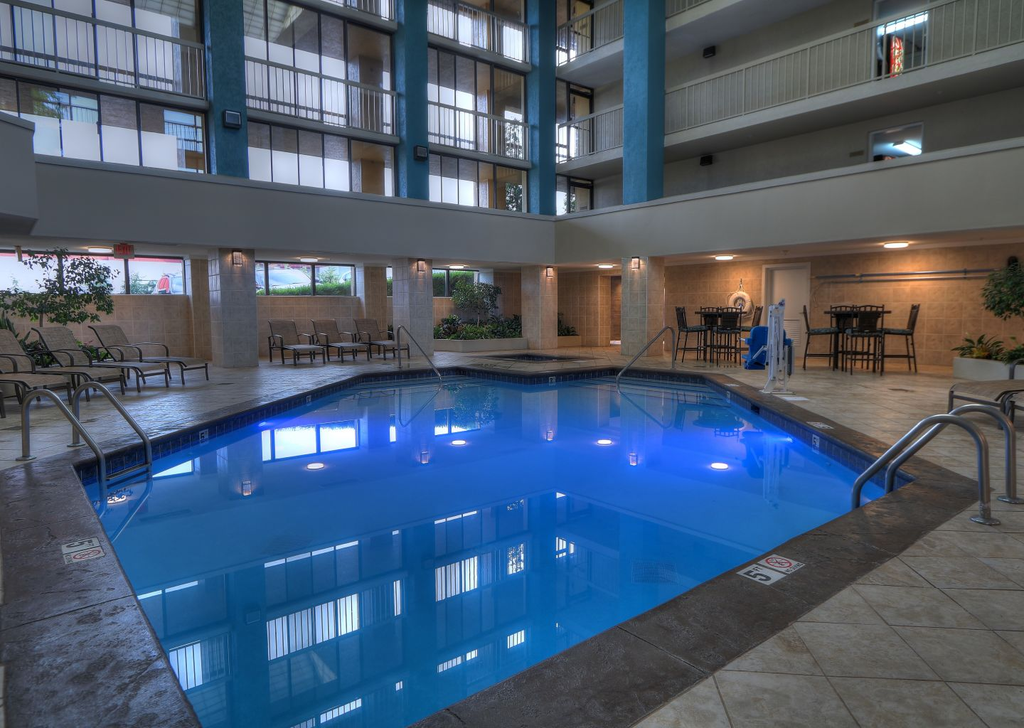 Quality Inn Pigeon Forge - Indoor Pool 1