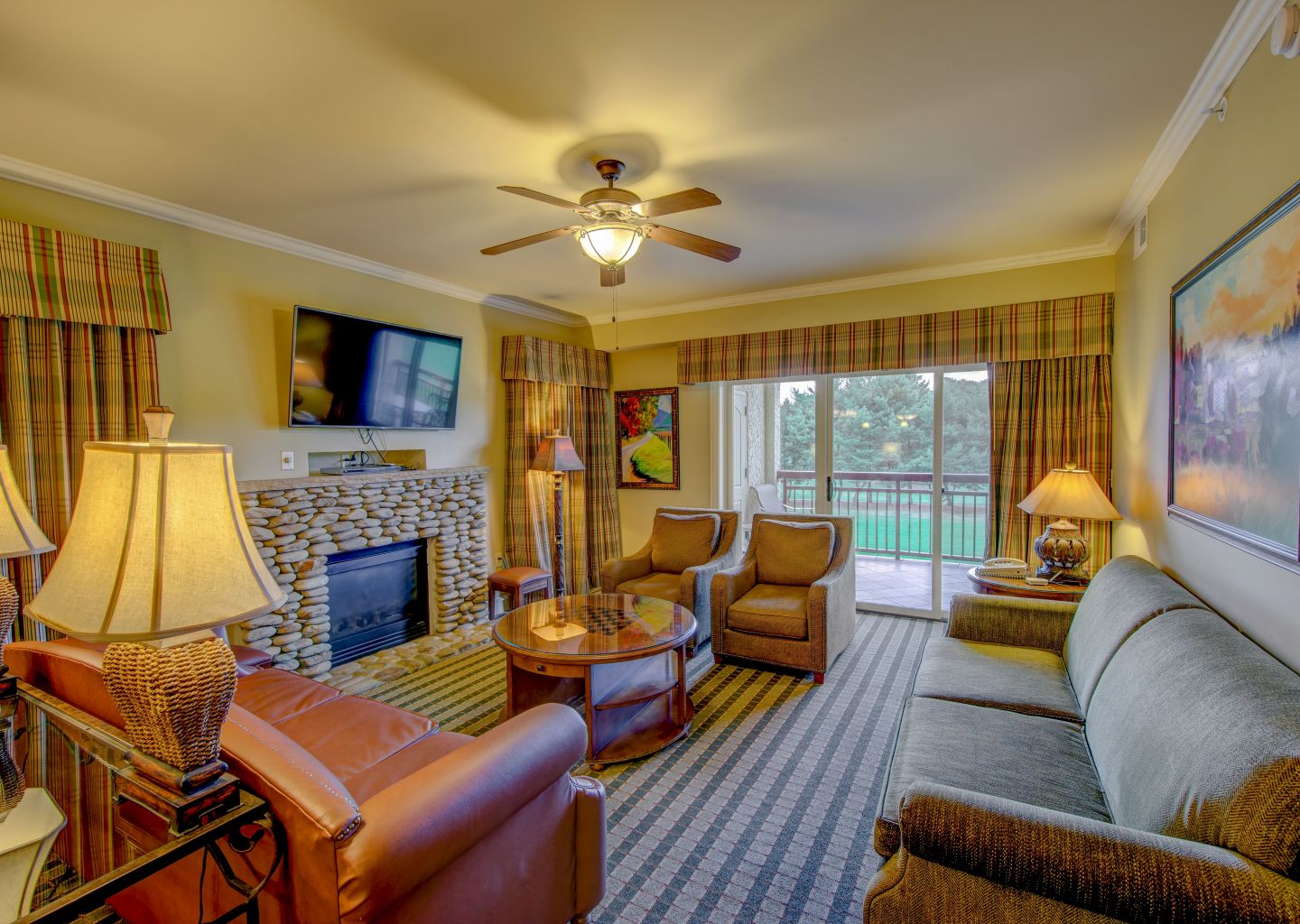 RiverStone Resort & Spa: Condos in Pigeon Forge Tennessee